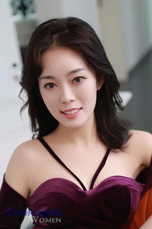 chongqing single girls Meeting single girls in chongqing not speaking chinese will make meeting single girls in chongqing very harder than other places but because not many tourists travel through this large city, you have an extreme exotic factor that none of the locals have.